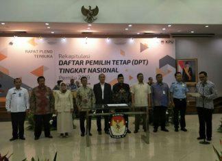 KPU Melaksanakan Rapat Pleno Rekapitulasi DPT Tingkat Nasional