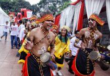 Kampanye Perdana Jokowi-Ma'ruf akan Diikuti Massa Berbusana Adat